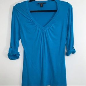 Cable & Gauge small blouse Top tab sleeves v neck
